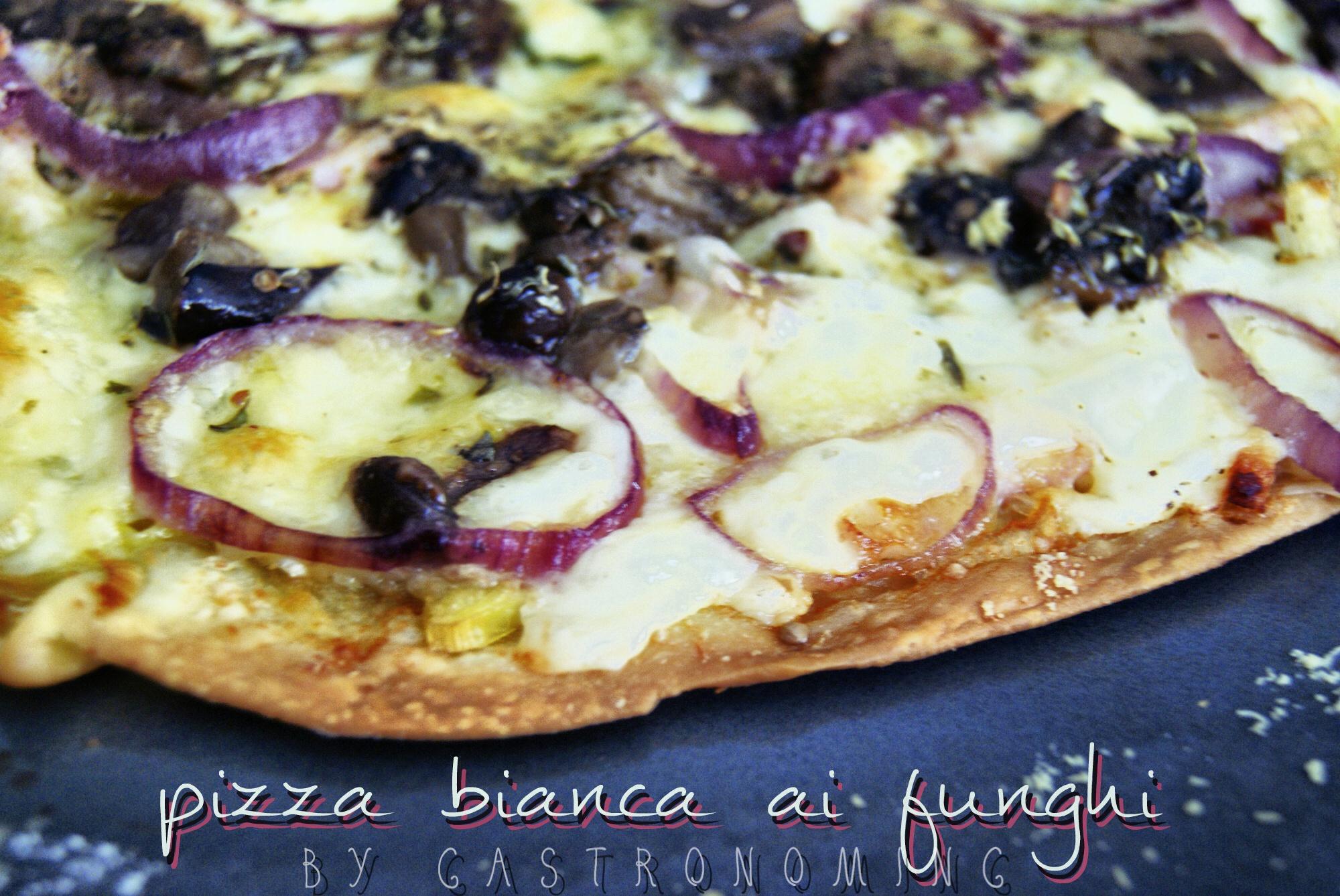 Pizza bianca ai funghi